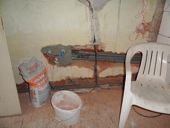 Vodovodní potrubí je potřeba tepelně izolovat až k místu odběru