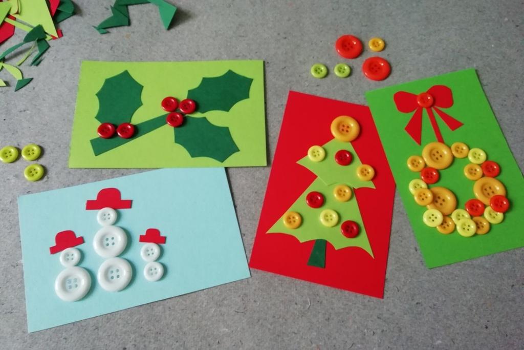 Vánoční přáníčka zdobená knoflíčky pro štěstí