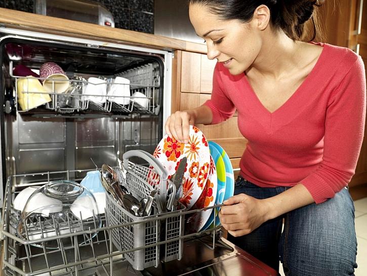 Myčka nádobí dokáže výrazně ušetřit vodu