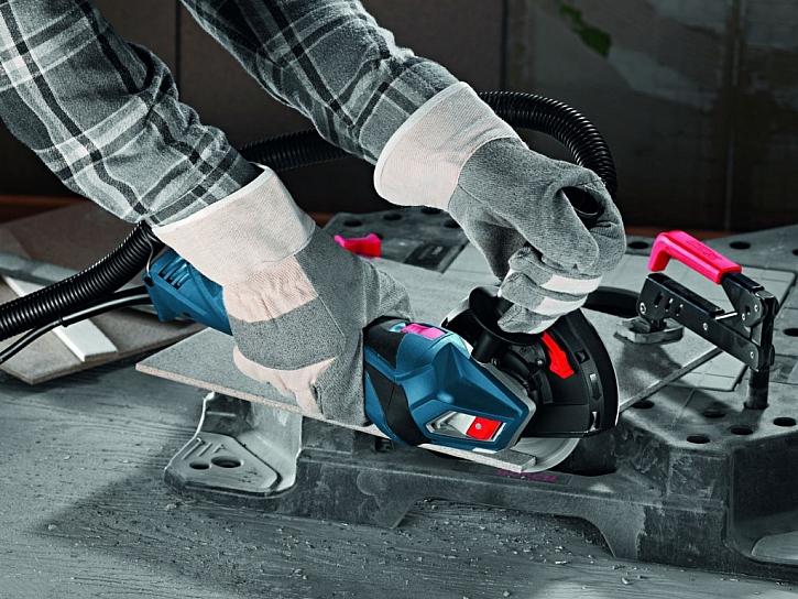 Doplňkový modul odsávání prachu zvyšuje bezpečnost při práci a chrání zdraví obsluhy