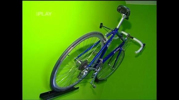 Jak vyrobit věšák na kolo