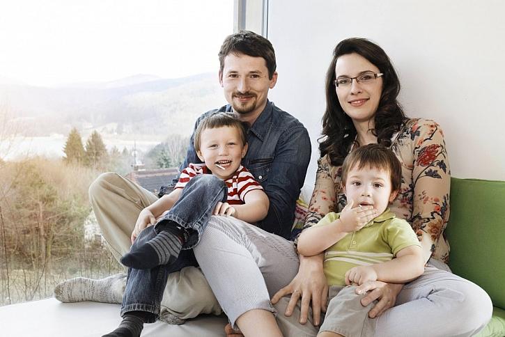 Co mají společného aktivní dům a mladí manželé? Nejen odvahu