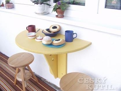 Jídelní stůl do každého prostoru