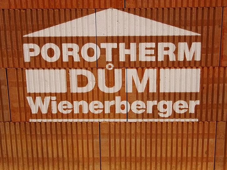 Broušené akustické cihly Porotherm AKU Profi – novinka společnosti Wienerberger