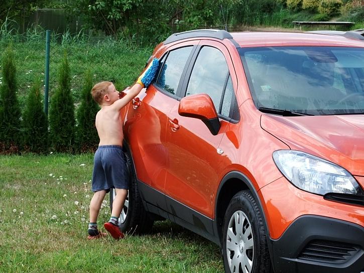 Ruční mytí lepší než myčka? Ano, s profesionální autokosmetikou!