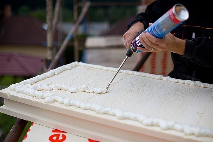 Zateplení polyisokyanurátovou (PIR) fasádní deskou PAMAtherm s lambdou 0,024 W/ m*K