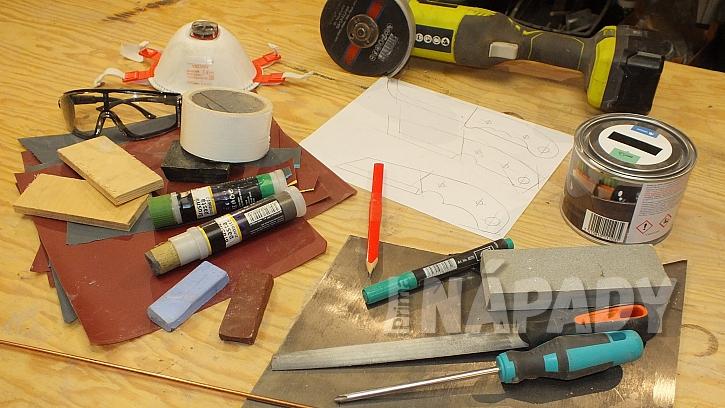 Co budeme na výrobu nože potřebovat