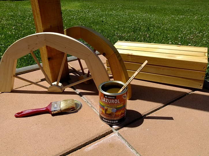 Nátěr dřeva proti plísním, houbám a tlení