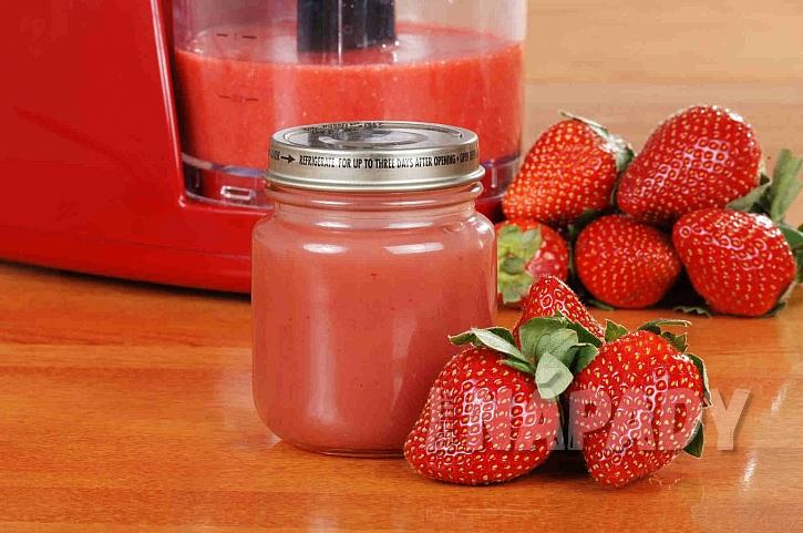 Jahodová dřeň i ovocná přesnídávka budou chutnat malým i velkým (Zdroj: depositphotos.com)