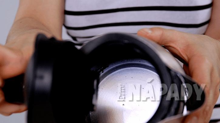 Jak odstranit octem a citronem vodní kámen z rychlovarné konvice: po