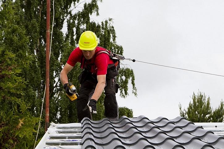 Rekonstrukce střechy ocelovou krytinou krok za krokem