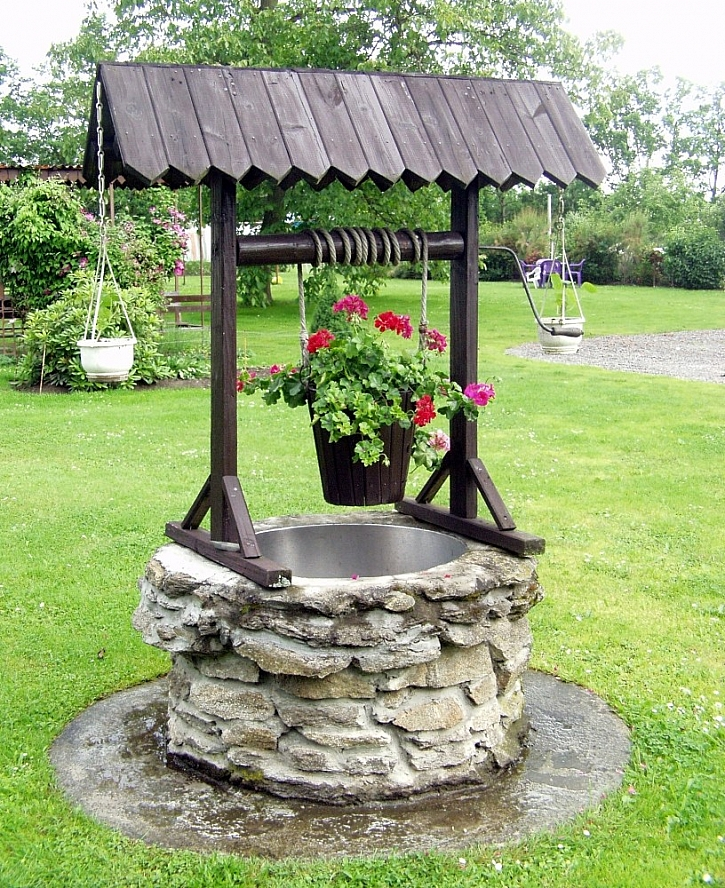 Zahradní dekorace ze starých věci