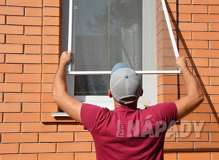 Instalace sítě do oken