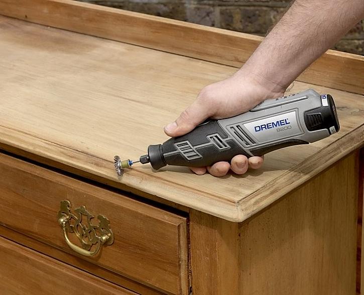 Renovace staré dřevěné skříňky