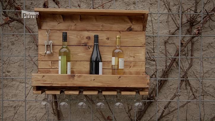 Víte, jak si vyrobit poličku na víno? (Zdroj: Polička na víno)