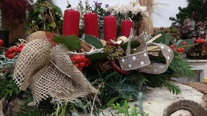 Advent je za dveřmi, vyrobíme si věnec ve stylu klasických českých Vánoc v trochu netradičním pojetí (Zdroj: archiv FTV Prima)