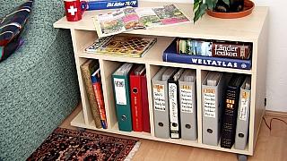 Jak za jedno odpoledne vyrobíte šikovný stolek na knížky a časopisy