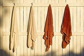 Veselé a praktické háčky do koupelny