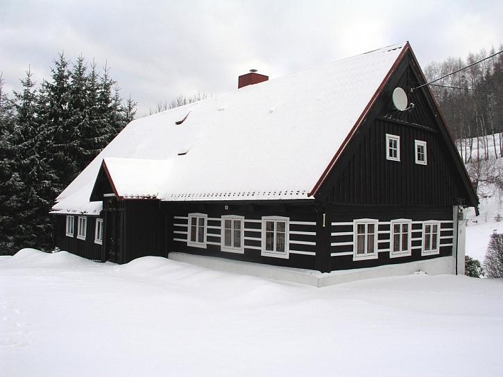 Pozor, padá lavina! Připravte střechu na zimu!