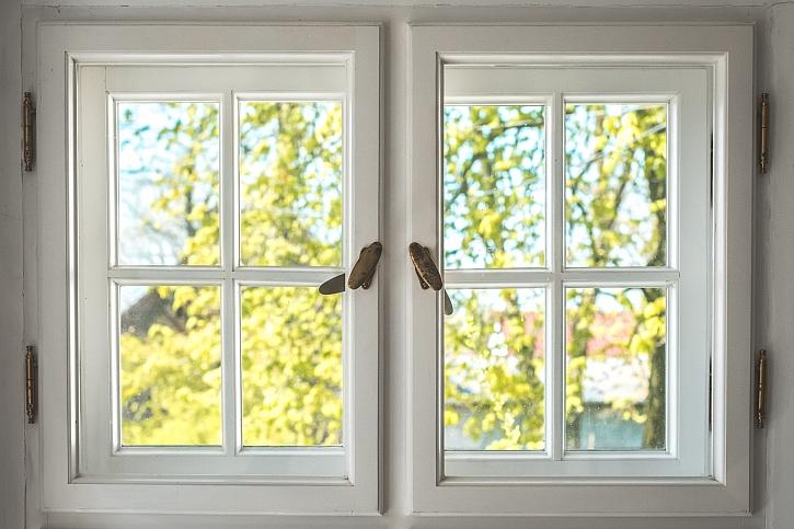 Renovace oken a správný nátěr (Zdroj: Depositphotos)