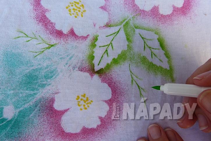 Rozkvetlé tričko aneb Pohrajte si s foukacími fixy 9