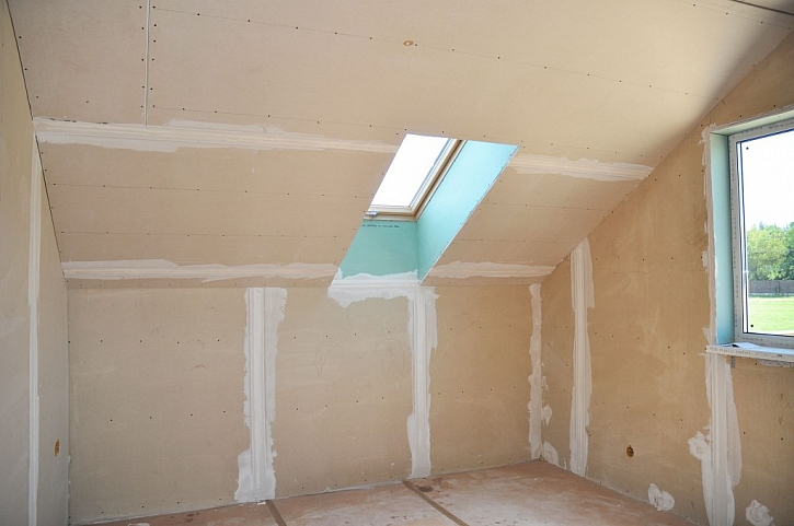 Nakonec na zateplení instalujte sádrokartonové desky