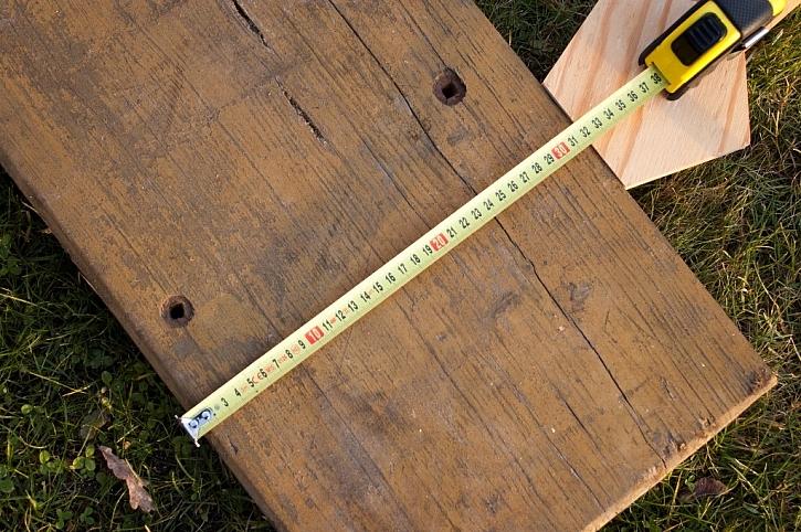 Hranol o výšce 90 a šířce 325 mm není pro pilu problém