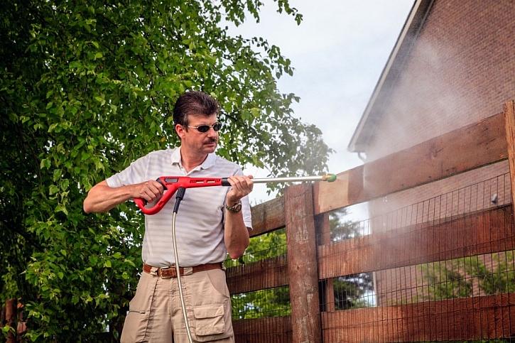 Očista plotu pomocí wapky ušetří námahu