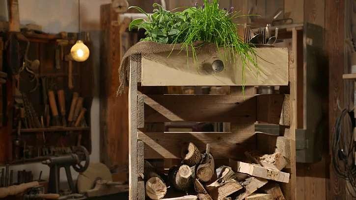 Jak si vyrobit vychytaný dřevník z palet