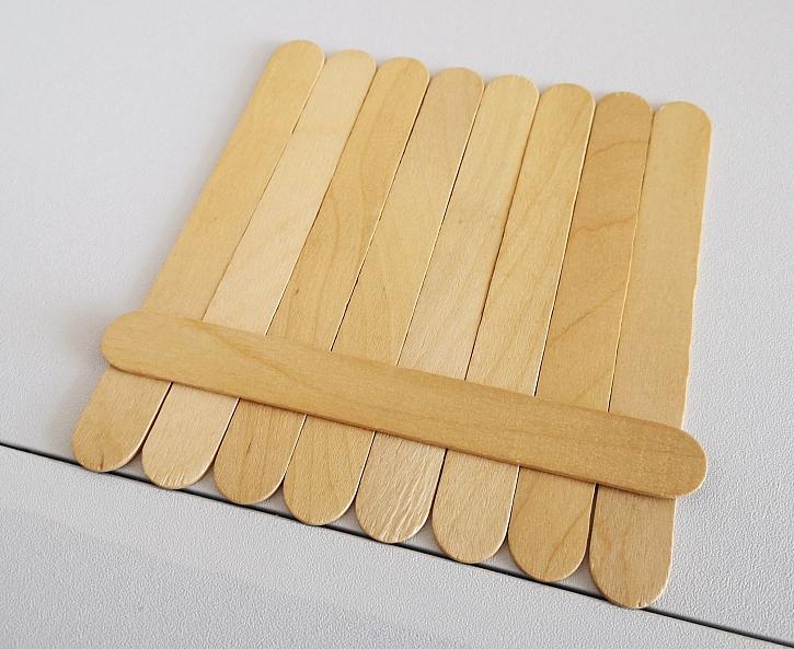 K lepení dřeva je vhodné univerzální lepidlo