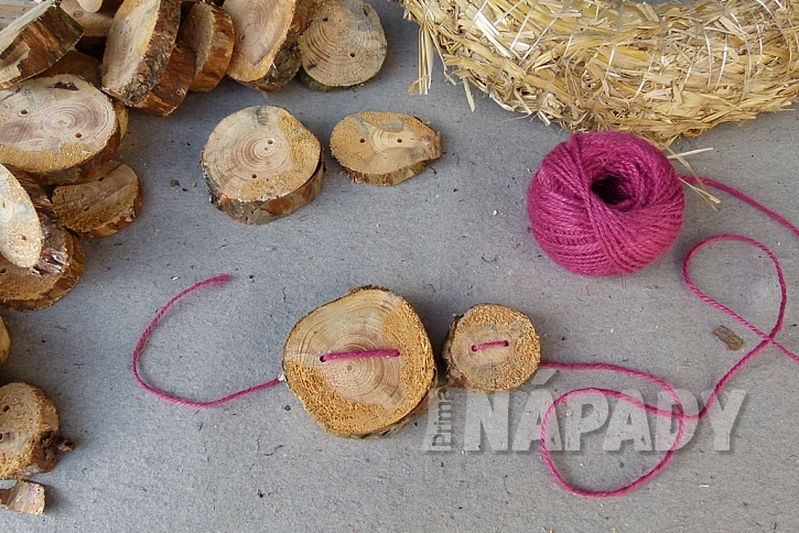 Knoflíkový věnec pro štěstí, s vůní borového dřeva 4
