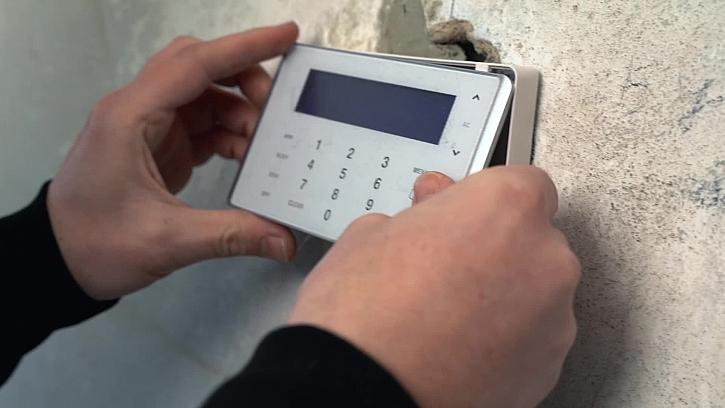 19. díl Online stavebního deníku se podívá na zoubek elektronickému zabezpečovacímu systému