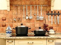 Věšáky do kuchyně jsou nepostradatelné doplňky