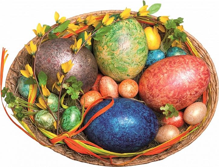 Trendy letošních Velikonoc: Zlatá, stříbrná a jednotné barevné tóny