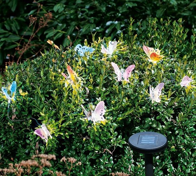 Klasické zahradní dekorace tak trochu jinak