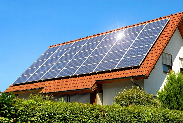 Ohřev vody pomocí solárních panelů umí vtáhnout sluníčko k vám domů