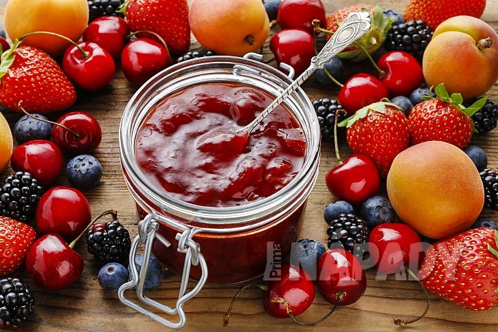 Džemy lze vyrobit z různého ovoce, receptů na domácí džemy je mnoho (Zdroj: depositphotos.com)