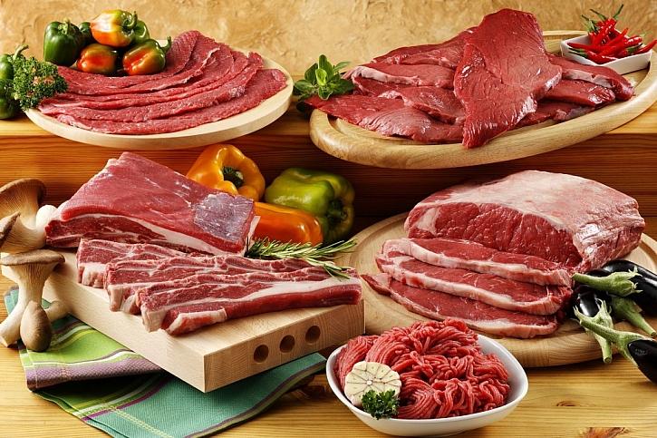 Hovězí maso má sytě červenou barvu a je kryto lojem