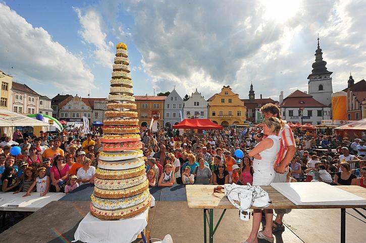 Pelhřimov-město rekordu - Dort s největším počtem pater