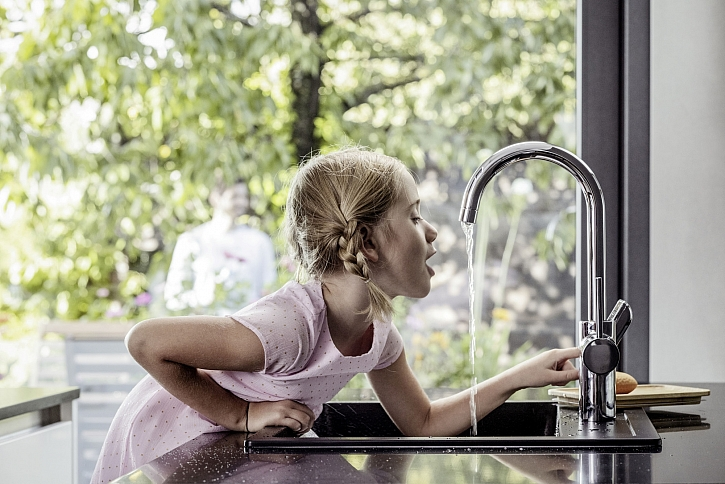 Poškození baterií a spotřebičů můžete předejít s mechanickými vodovodními filtry  (Zdroj: REHAU)