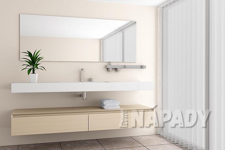 Bezrámové zrcadlo v moderní koupelně