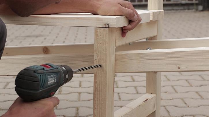 Propojení trakaře s lavičkou