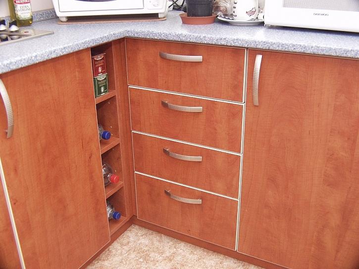 Není šuplík jako šuplík aneb kousek místa v kuchyni