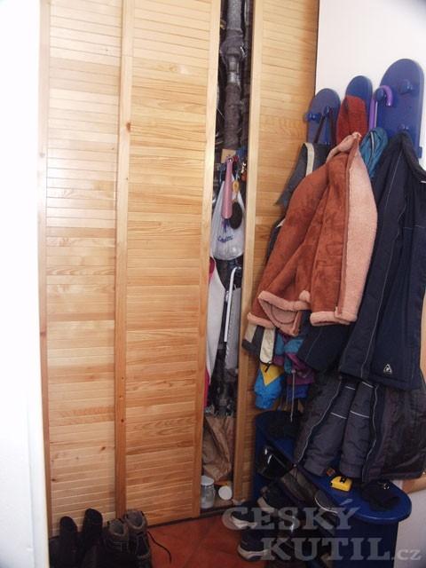 Prostor bytu a skříň