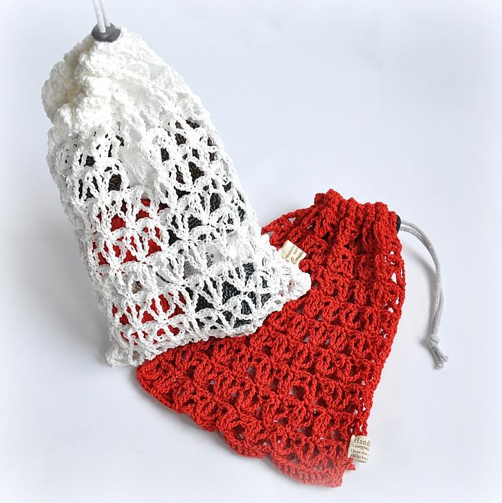 Bílý a červený sáček