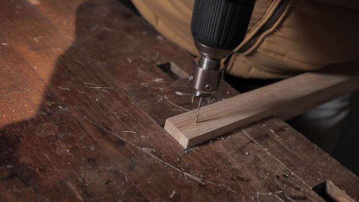 Jak vytvořit dřevěnou kuličku pomocí vrtačky