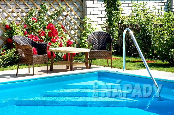 Jarní péčí o bazén si zajistíte čistou vodu po celou sezónu (Zdroj: Depositphotos.com)