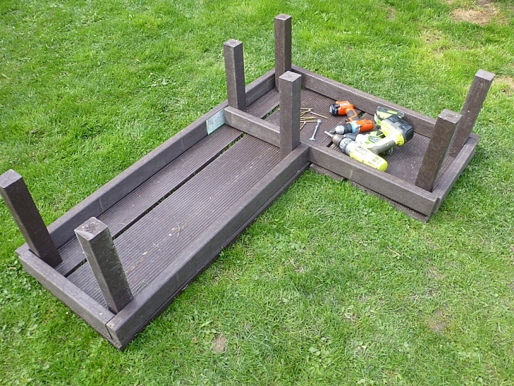 Transform - odolná zahradní lavička z terasových prken