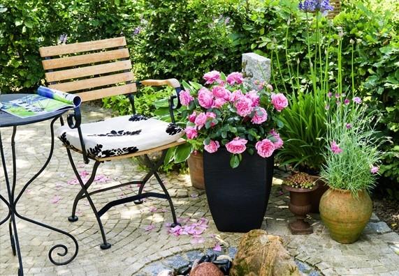 Tip: Železný zahradní nábytek můžete nechat stát venku po celý rok, pokud je konstrukce eloxovaná.