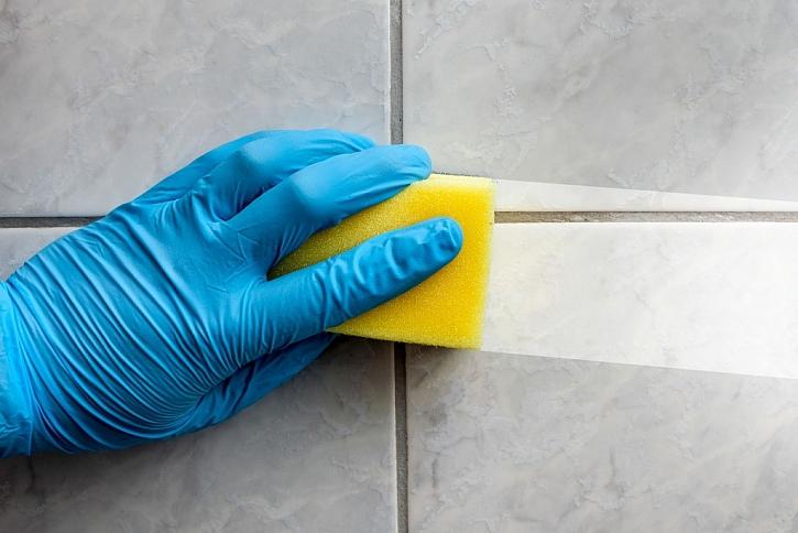 Nanotechnologie vám v domácnosti ulehčí – na povrchu se vytvoří ochranný film a nečistoty stačí setřít vlhou houbičkou